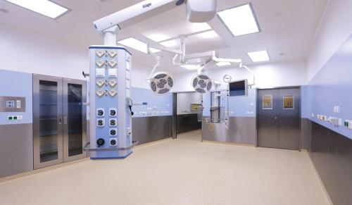 Obrázek k referenci Technologische Rekonstruktion von Operationssälen im Universitätskrankenhaus Brünn - Einbauten von Operationssälen